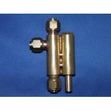 No 16 vertical injector ~ 16 pint per minute.